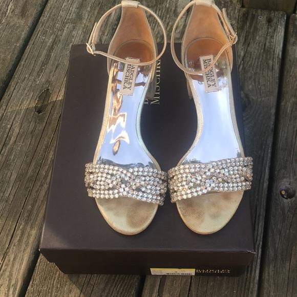 9014510d8e4 Badgley Mischka Shoes - Badgley Mischka Triana 7.5 block heel gold sandals